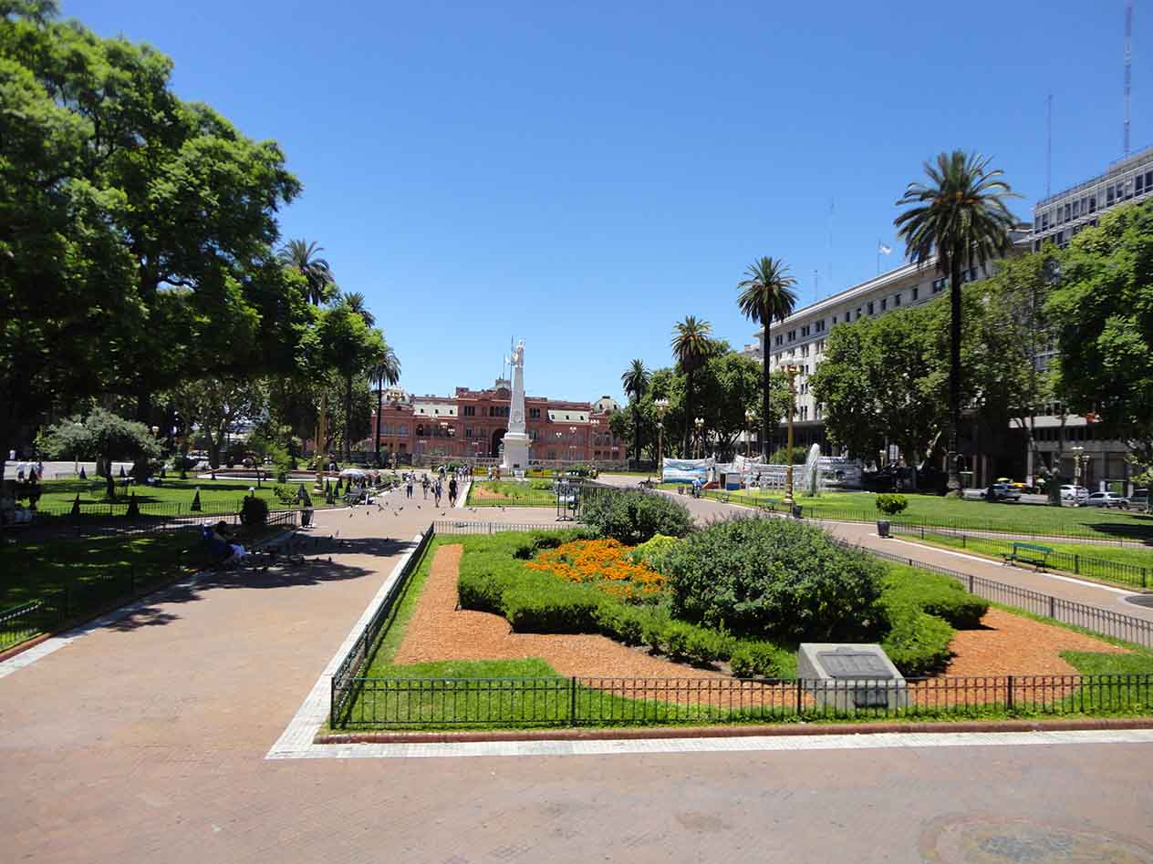 Buenos Aires Plaza Tour